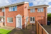 4 bedroom semi detached house in Park Crescent, Sleaford...