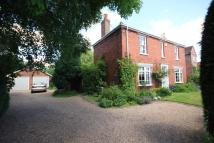 3 bed Detached property for sale in Lincoln Road, Saxilby...