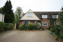 3 bed semi detached house in Church Walk...