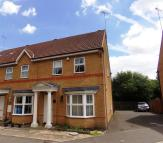 3 bedroom house to rent in Monmouth Gardens...