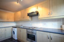 Apartment to rent in Pyegrove Chase...
