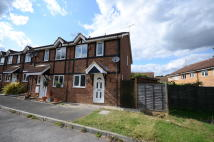 End of Terrace property in Radcliffe Way, Bracknell...