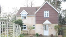 2 bedroom Detached house in London Road, Camberley...
