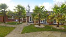 4 bed Bungalow in Portsmouth Road...