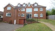 Apartment to rent in Clockhouse Road