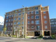 Flat to rent in Farnborough Road