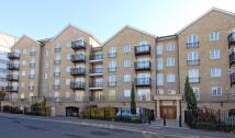 2 bed Apartment to rent in Riverside House
