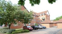 Flat to rent in Admirals Court