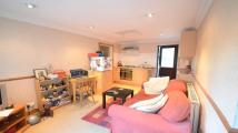 1 bedroom Flat in Highland Avenue
