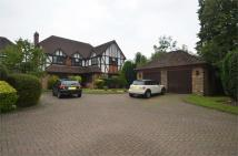 5 bed Detached property in Oaklodge Way, Mill Hill...