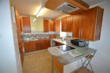 Flat to rent in Springwood Crescent...