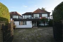 6 bedroom Detached home in Old Church Lane, Hendon...