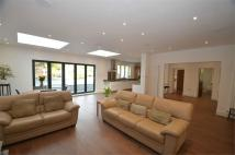 5 bedroom Detached house in Wise Lane, Mill Hill