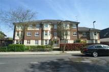 2 bedroom Flat to rent in Lowlands Court...
