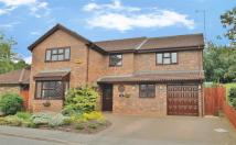 5 bedroom Detached house for sale in Meadoway, Steeple Claydon