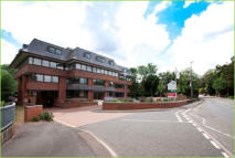 property to rent in 1st Floor Front Suite, 