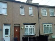 4 bed Terraced house to rent in Genista Road, London, N18