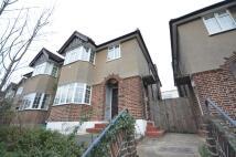 2 bedroom Flat in Ethelbert Close, Bromley...