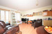 Oliver Gardens Terraced property to rent