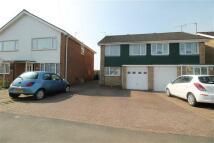 3 bed semi detached house in Queensway, Burton Latimer