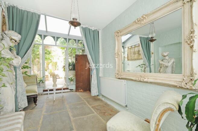 Garden room 2.jpg