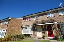 3 bedroom semi detached property in Sedgewood Close, BROMLEY...