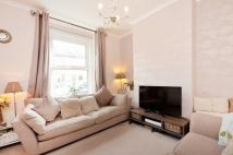 2 bed house in Acacia Road, Beckenham...