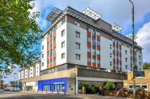 2 bed Flat to rent in Albemarle Road...