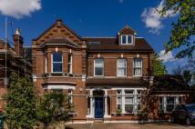 2 bedroom Flat in Manor Road, Beckenham...