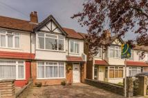 3 bedroom house to rent in Ravenscroft Road...