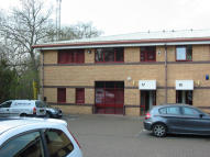property to rent in 17 Wellington Business Park, 