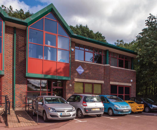 office to rent in 6a bracknell beeches old bracknell lane