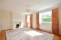 3 bedroom property to rent in Royle Close...