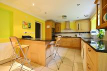 4 bed Detached house in Freemans Close...