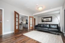 Apartment in Station Road...