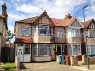 Flat in Hide Road, North Harrow...