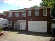 Studio flat in Sudbury Hill Close...
