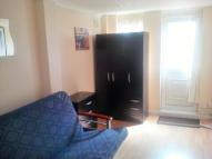 Studio flat in Chestnut Grove, Wembley...