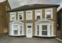 Flat to rent in Drayton Green Road...