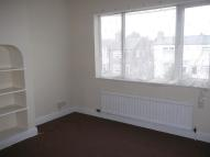 Flat in Main Road, Leabrooks...
