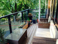 2 bedroom Flat to rent in Shearwater Drive, London...