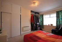 Flat to rent in Cayton Road, UB6