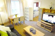 2 bed Apartment to rent in Weavers Way, London, NW1
