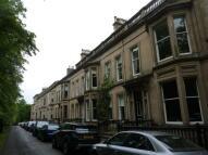 Flat to rent in Queens Gardens, Glasgow...