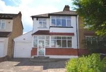 3 bed semi detached house to rent in Links View Road Croydon...