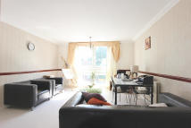 Flat to rent in St Ann's Road...
