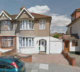 3 bedroom End of Terrace home to rent in Meadway, Ilford, Essex...