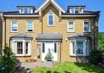 2 bed Apartment in NEW WANSTEAD, London, E11