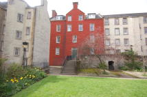Flat for sale in 2/3 Chessels Court 240...
