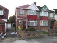 3 bed semi detached house to rent in Rosebery Road, Hounslow...